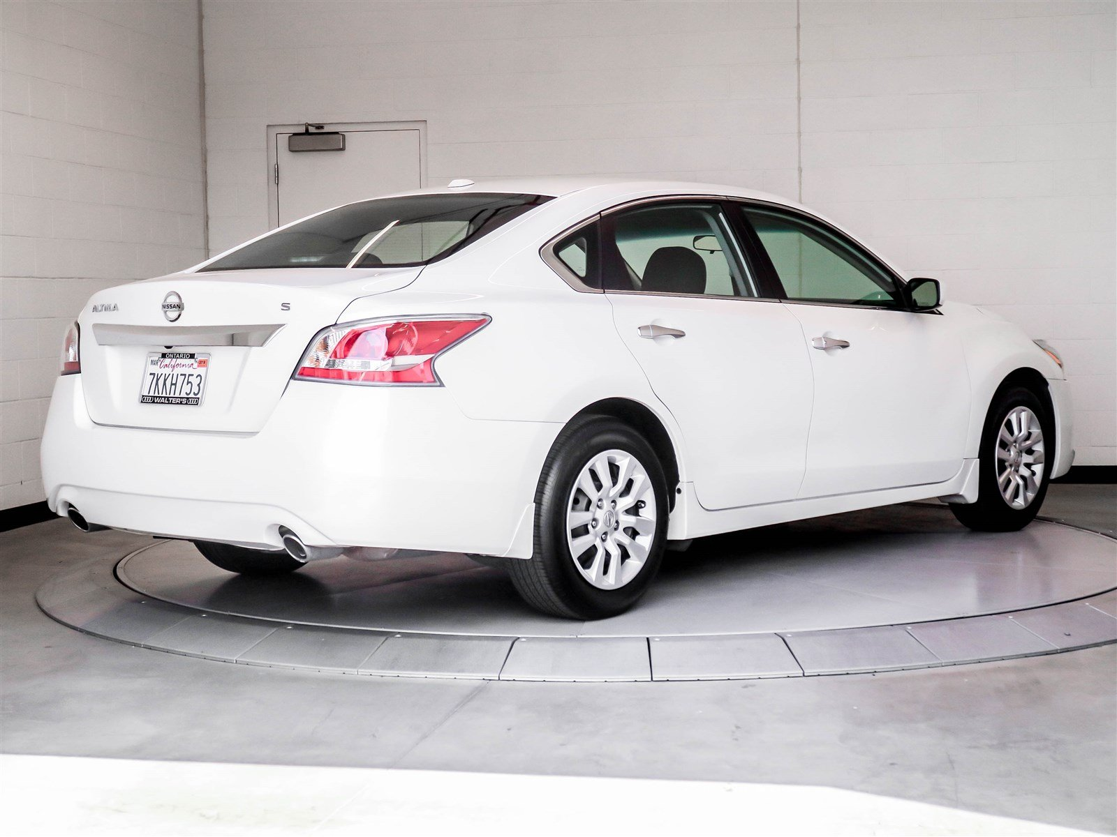 pre owned 2015 nissan altima sedan in riverside 1929k1 walter s