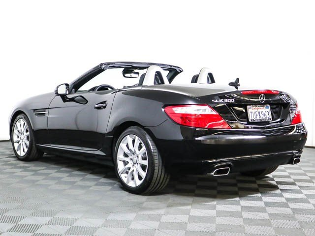 Pre-Owned 2016 Mercedes-Benz SLK 300 SLK 300